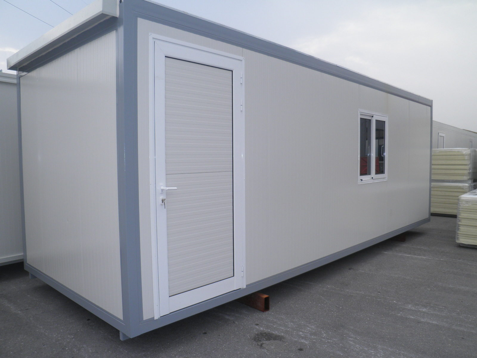 Rentals by EUROtrade S.A. 250X700